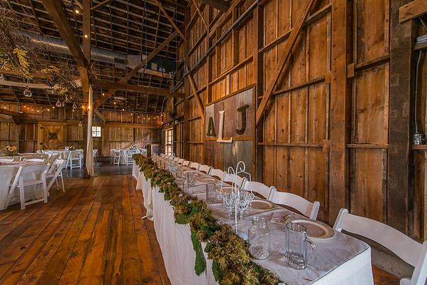 160820 Creekside_Wedding_Barn 009