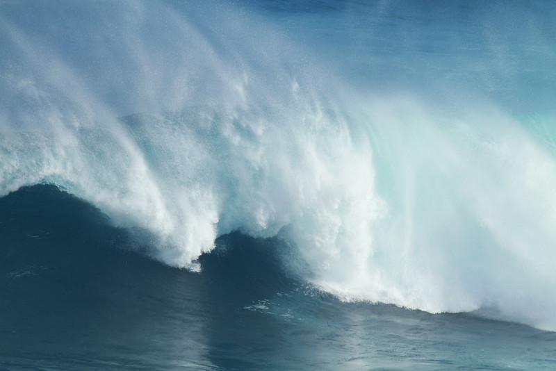 DEC 1 2012<br /> JAWS. Maui, HI