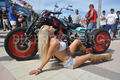 SONJA POSES AT THE BOARDWALK BIKE SHOW, BIKETOBERFEST 2015