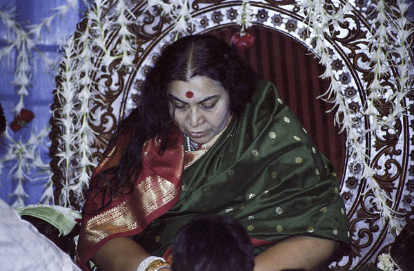 Birthday Puja 30 March 1983 Mumbai (Matthew Fogarty photo)
