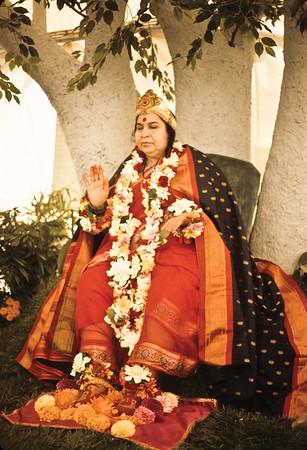 Shri Buddha Puja, San Diego, 23 July 1988 (Gregoire de Kalbermatten photo)