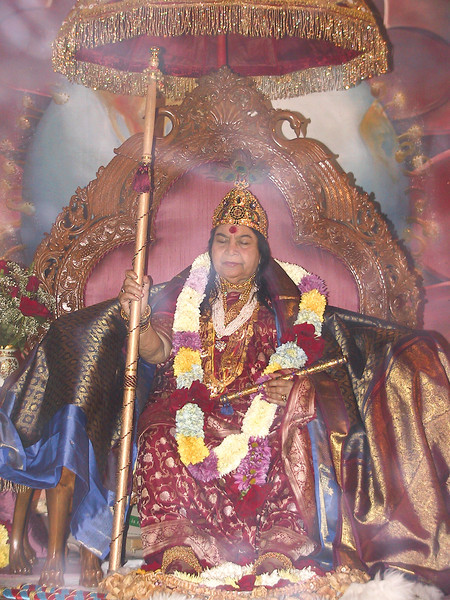 Shri Kubera Shri Krishna Puja, 18 August 2002, Canajoharie (Shri Mataji says this photographs shows the light of the Adi Shakti.) (Anjan Upadhya photo)