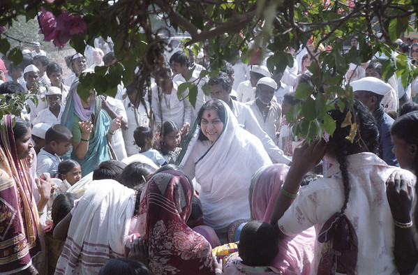 "Shri Mataji in a village in India > to download a 118.7 MB tiff image, click the ""large photos"" link at the bottom of any page."
