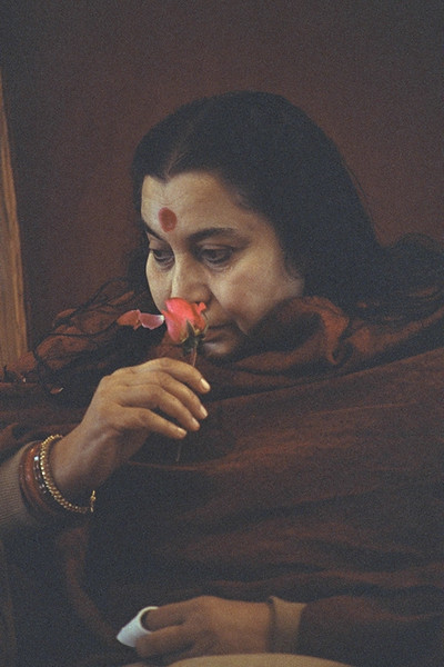 Sahaja Yoga Temple, February 1983, Delhi (Matthew Fogarty photo)