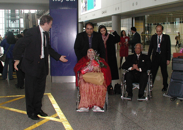 Arrival at Hong Kong airport, 2001
