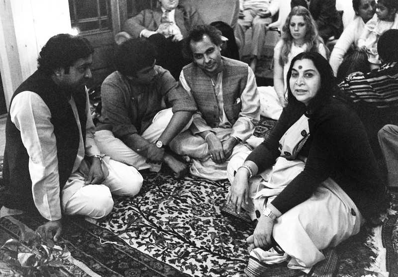 Shri Mataji with musicians, London