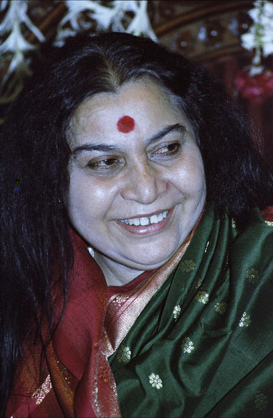 Birthday Puja, 30 March 1983, Mumbai (Matthew Fogarty photo)