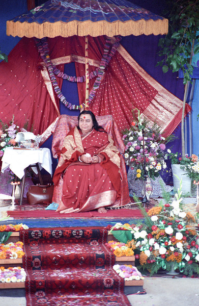 Shri Ganesha Puja, 9 February 1992, Perth Australia (Matthew Fogarty photo)