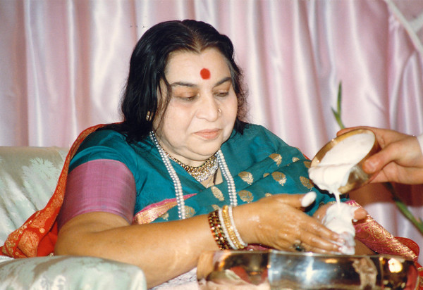 Diwali Puja, Rome, 16 Novemeber 1985 (Ray Harris photo)
