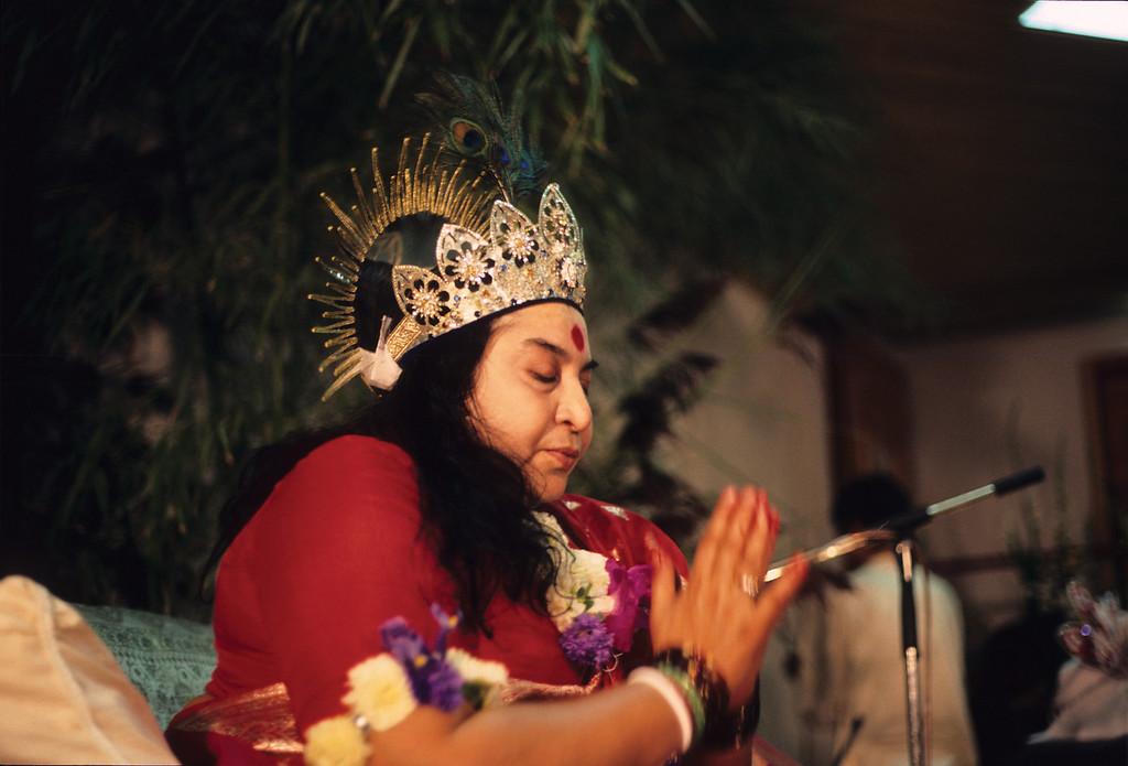 Shri Krishna Puja, Schwarzsee Switzerland, 23 August 1986 (Gregoire de Kalbermatten photo) (Original file size: 147.8 MB tiff)