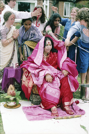 Mother Earth Puja, Havan for America, Surbiton ashram London, 21 August 1983 (Mark Callaghan photo) (Original file size: 89.7 MB tiff)