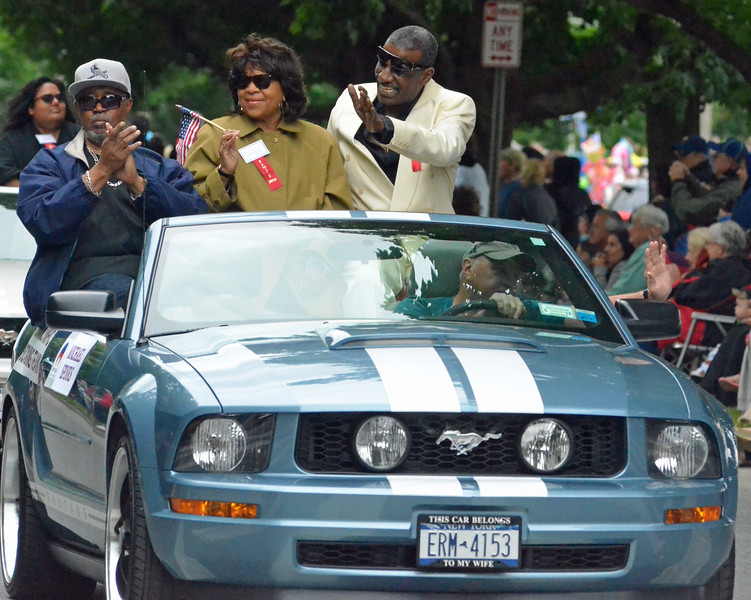 KYLE MENNIG - ONEIDA DAILY DISPATCH Boxer Michael Spinks gestures to the crowd during the International Boxing Hall of Fame Induction Weekend Parade of Champions in Canastota on Sunday, June 12, 2016.