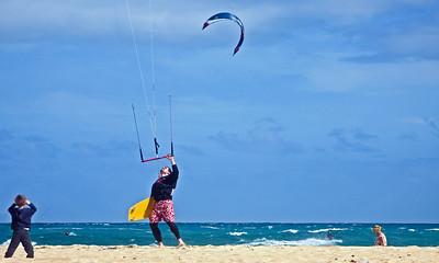 Fuerteventura, De Corralejo, kite Surfers at Dunas de Corralejo.