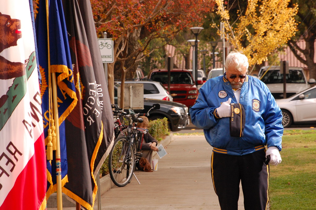 . JENICE TUPOLO - DAILY DEMOCRAT Hundreds gathered at the historic Yolo County Courthouse for the annual Veterans Day memorial hosted by the American Legion, Yolo Post 77.