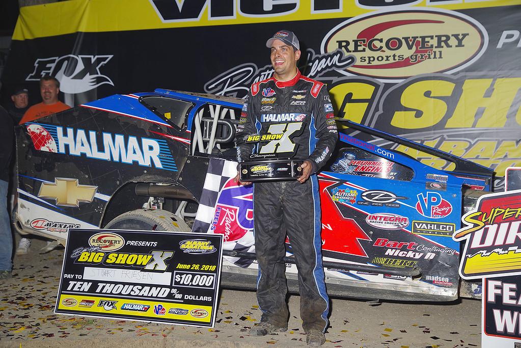 . Mod winner Stewart Friesen #44 courtesy Kustom Keepsakes, Mark Brown/Ryan Karabin. For reprints vist: https://nepart.smugmug.com
