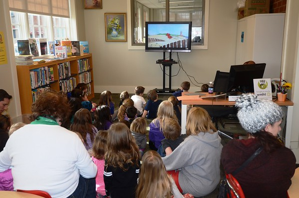 PHOTOS: Clifford visits the Watervliet Public Library
