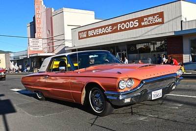 A Ford Thunderbird glides down Main Street, Fortuna during the Fortuna AutoXpo Friday night cruise. José Quezada—For the Times-Siandard