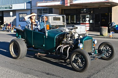 The bright sun kept this hot rod going even hotter crusing down Main Street. José Quezada — For the Times-Standard