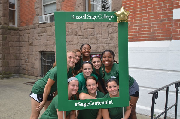 PHOTOS: Freshmen arrive at Russell Sage College