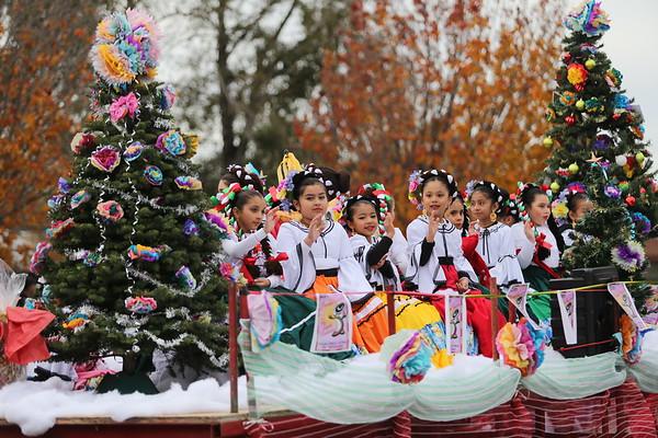 PHOTOS: Holiday Parade through the Years