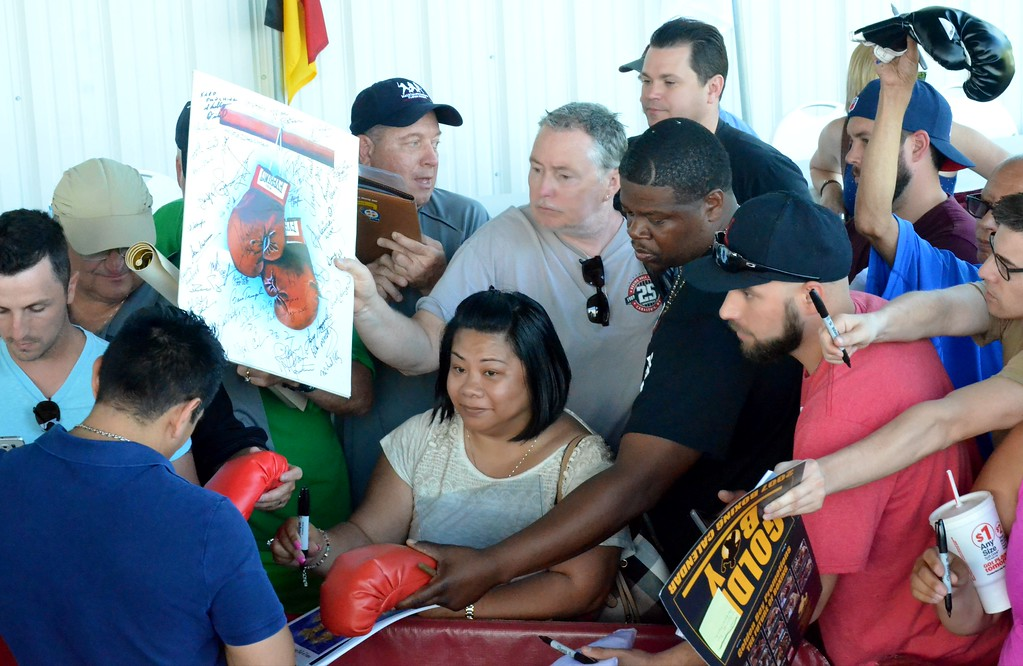 . KYLE MENNIG - ONEIDA DAILY DISPATCH Fans look for autographs from Marco Antonio Barrera during the 28th annual Induction Weekend at the International Boxing Hall of Fame in Canastota on Friday, June 9, 2017.