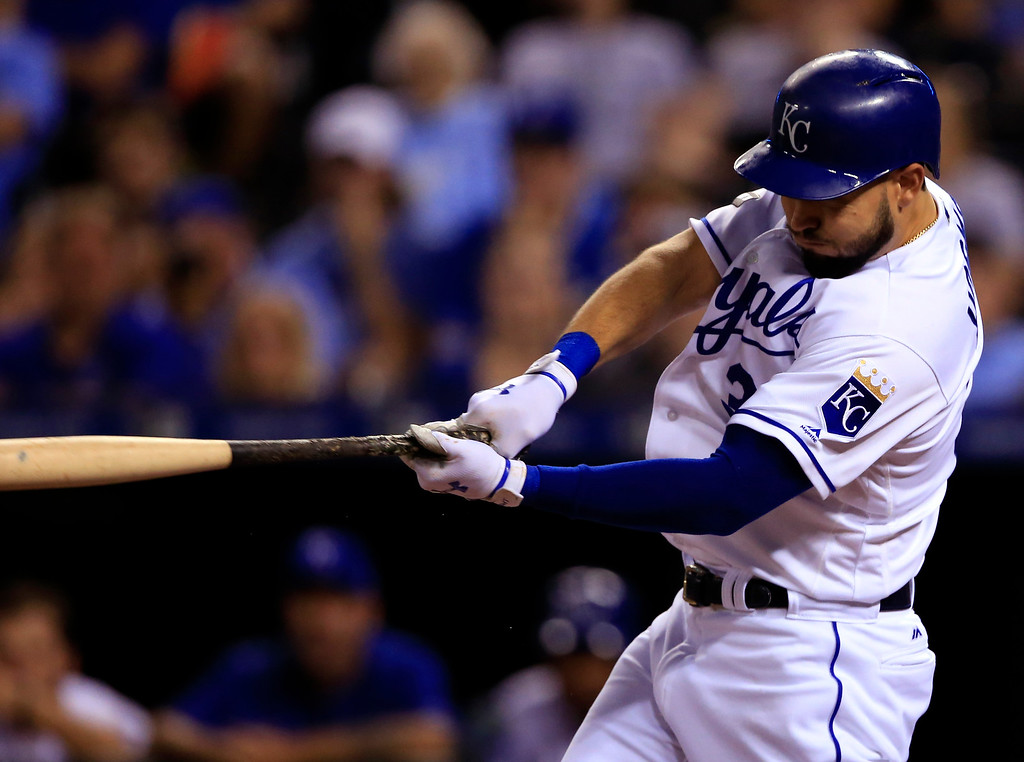 . Kansas City Royals\' Eric Hosmer hits an RBI single off Detroit Tigers starting pitcher Justin Verlander during the sixth inning of a baseball game at Kauffman Stadium in Kansas City, Mo., Tuesday, May 30, 2017. (AP Photo/Orlin Wagner)