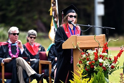 Haley Voorhees speaks to her fellow McKidnleyville High School graduates. (José Quezada—For the Times-Standard)