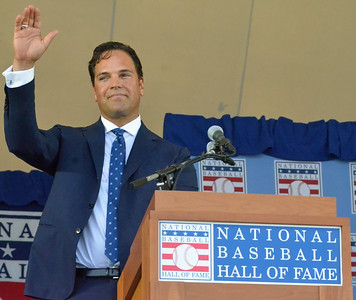 KYLE MENNIG - ONEIDA DAILY DISPATCH Mike Piazza gestures to the crowd before his speech at the National Baseball Hall of Fame Induction Ceremony in Cooperstown on Sunday, July 24, 2016.