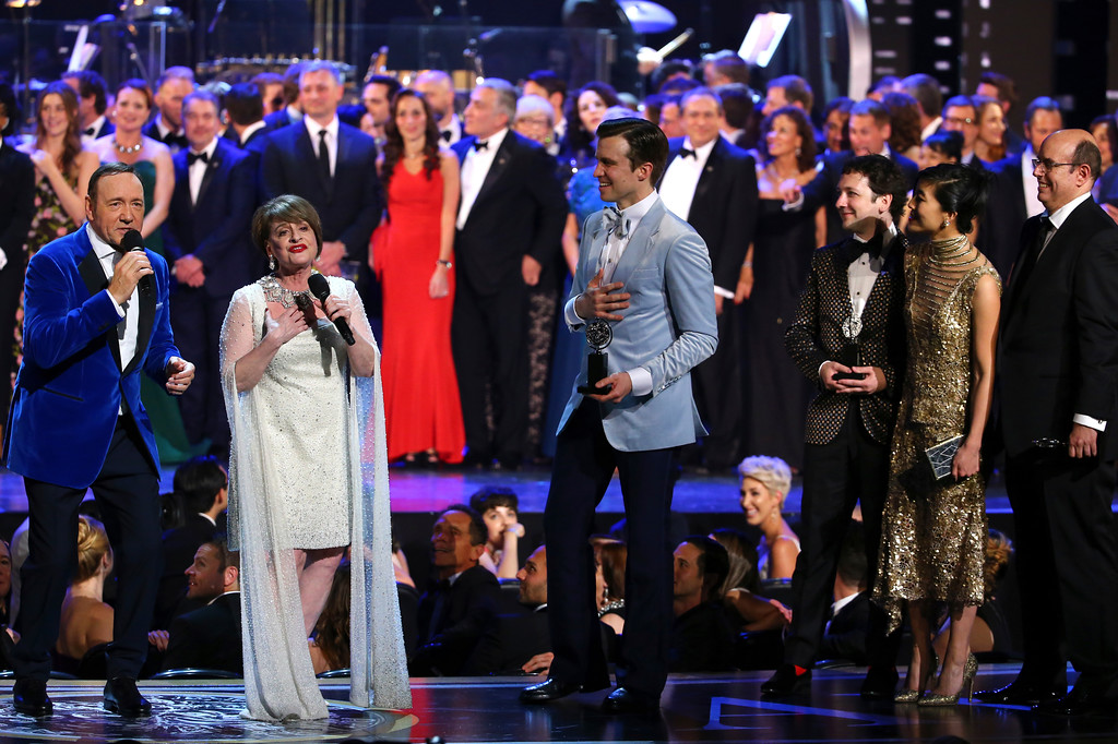 ". Kevin Spacey, foreground from left, Patti LuPone perform ""The Curtain Falls\"" as Tony award winner Gavin Creel  looks on, at the 71st annual Tony Awards on Sunday, June 11, 2017, in New York. (Photo by Michael Zorn/Invision/AP)"