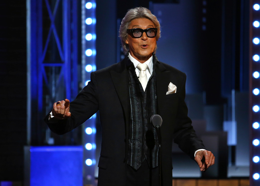 ". Tommy Tune introduces a performance by the cast of ""Hello Dolly!\"" at the 71st annual Tony Awards on Sunday, June 11, 2017, in New York. (Photo by Michael Zorn/Invision/AP)"