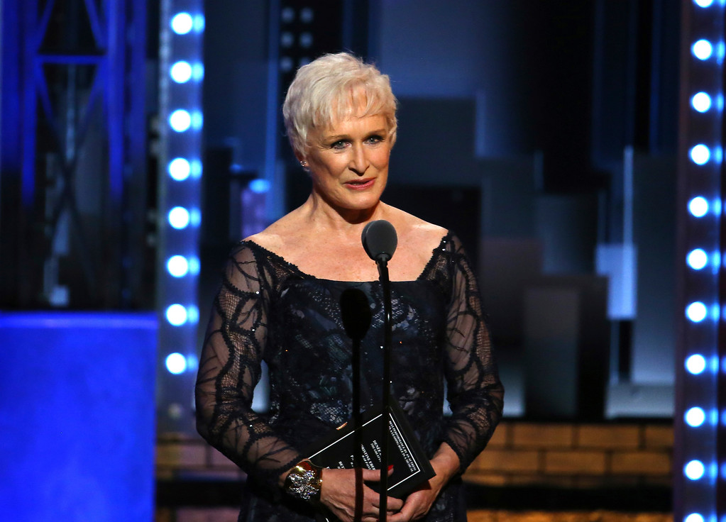 . Glenn Close presents the award for best performance by an actress in a leading role in a musical at the 71st annual Tony Awards on Sunday, June 11, 2017, in New York. (Photo by Michael Zorn/Invision/AP)