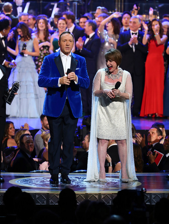 ". Kevin Spacey, left, and Patti LuPone perform ""The Curtain Falls\"" at the end of the 71st annual Tony Awards on Sunday, June 11, 2017, in New York. (Photo by Michael Zorn/Invision/AP)"