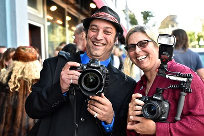 Local Humboldt Papparazzi Mark McKenna and Brandi Easter. José Quezada—For Times-Standard
