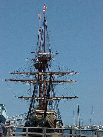 MAYFLOWER II , REPLICA OF ORIGINAL Plymouth, Massachusetts (Aug 28, 2000).