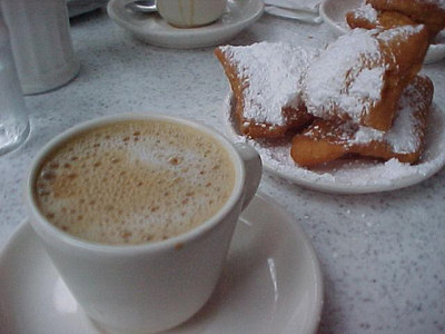COFFEE AND BEIGNETS AT CAFE DU MONDE (New Orleans, Sept 13, 2000)