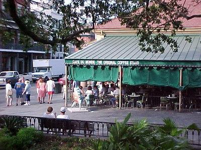 CAFE DU MONDE ON DECATUR STREET(New Orleans, Sept 14, 2000)