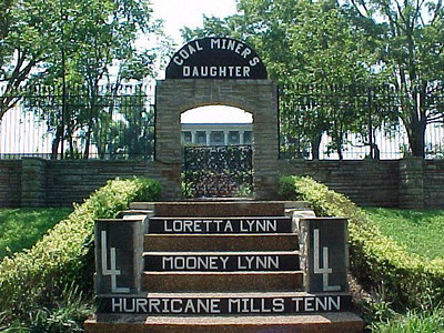 HURRICANE MILLS, TENNESSEE (August 2001)