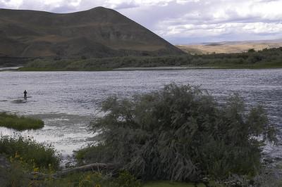FISHERMAN -- Snake River near Huntington, Oregon (Sept 2004)