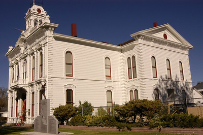 MONO COUNTY COURTHOUSE: Bridgeport, California (Sept 2006)