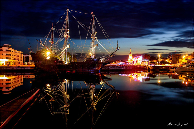 Galleon by Night  -  La Rochelle