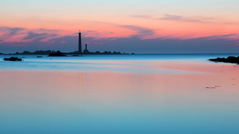 Phare de l'ile Vierge,PLOUGUERNEAU,FInistere nord ,Bretagne  ,france,europe   - px