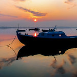 Sunrise  -   Pinasse  -  Claouey  -  Bassin d'Arcachon   - px