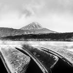 CANOES & MOUNT FUJI