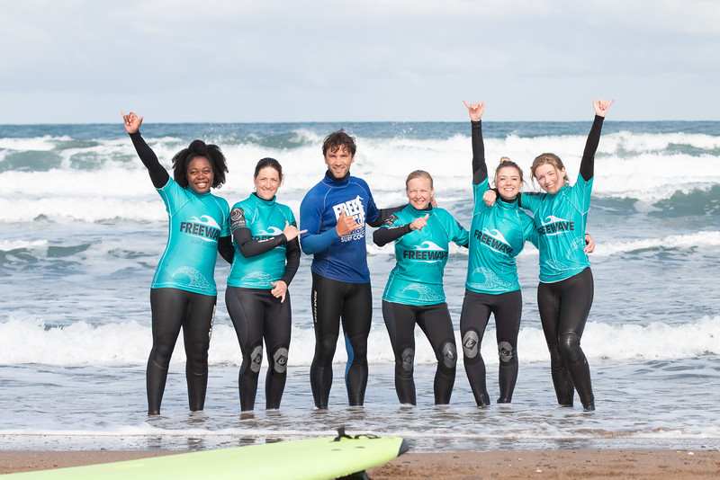 @freewavesurf and yoga retreat Bude Cornwall images @Tommy_Hatwell