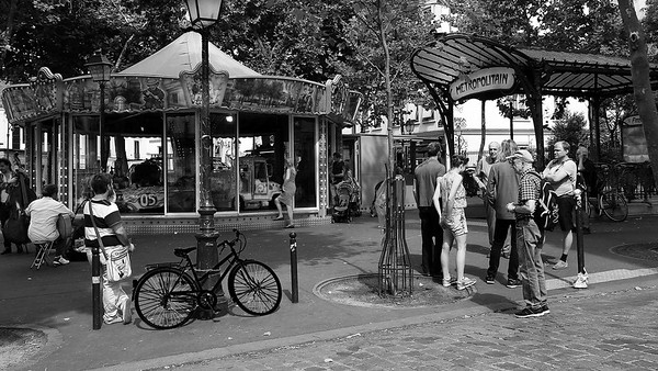 Metro Abesses -Montmartre - PARIS   - px