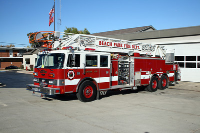 BEACH PARK LADDER 1231  PIERCE ARROW  X- VILLA PARK