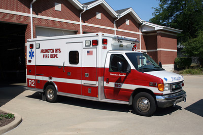 ARLINGTON HEIGHTS AMBULANCE 2R