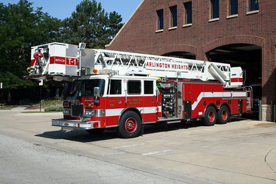 ARLINGTON HEIGHTS TRUCK 1R   PIERCE ARROW