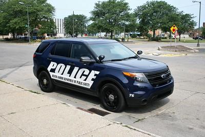 BENTON HARBOR DEPARTMENT OF PUBLIC SAFETY CAR  2015 FORD EXPLORER