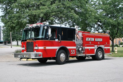 BENTON HARBOR  ENGINE 53  1998 SPARTAN ADVANTAGE - E-ONE  1250-1000  #18875